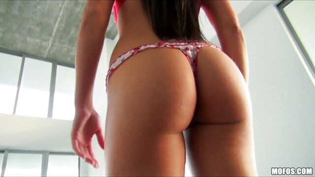 دختران جوان برای اولین بار سوراخ شکوهی را تجربه می کنند دانلودفیلم های سکسی سوپر