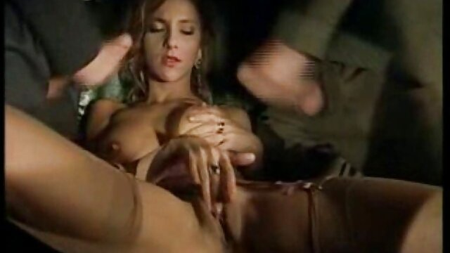 Lesbo Nikki Benz Abigail Mack با عصبانیت دانلودفیلمسوپرسکسی خروسها را لیس می زند و انگشت می زند