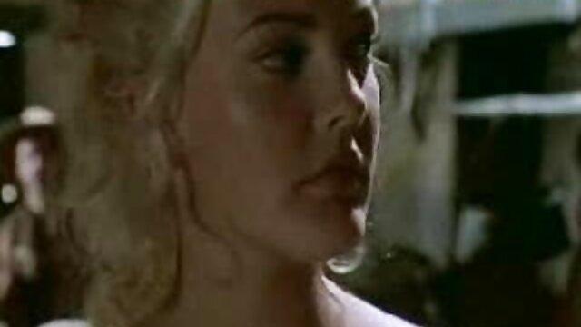 آخرین مورد از دانلودفیلم سوپر کم حجم عوض شدن بوسه برای دختران با پیرمرد کچلی لعنتی