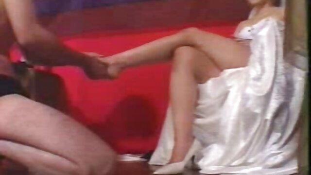 . Freaky دانلودفیلم های سکسی وسوپر Natalie Love با 4 سیاه پوست از بین رفته است
